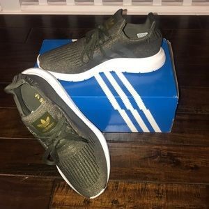 Adidas Green Swift Run With OG BOX